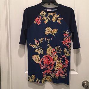 Gracie lularoe floral shirt